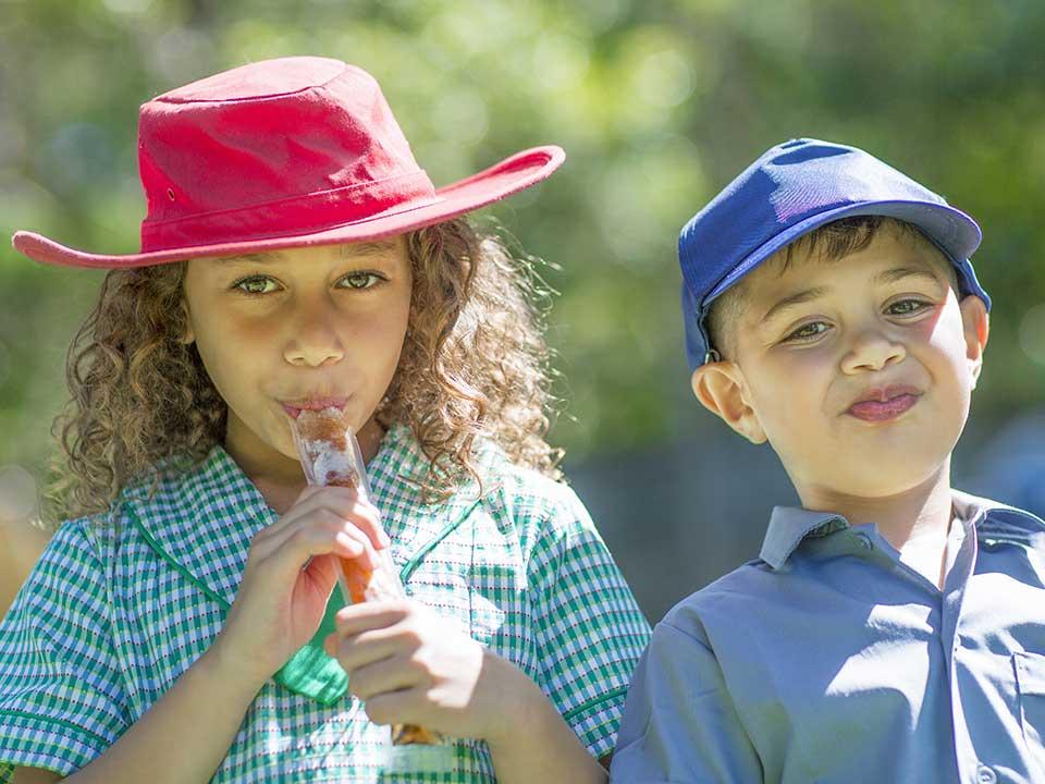 2 Aboriginal school children
